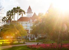 How Much Does a Walt Disney World Vacation Cost? #Disney #DisneySide