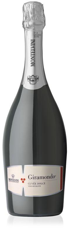 Giramondo - Spumante Cuveé Vini Rossi - Montelvini #vino #design #naming #packaging #etichette #branding #wine Vini Rossi, Wine Design, Label Design, Alcohol, Sparkling Wine, Prosecco, Vodka Bottle, Champagne, Packaging