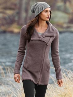 This is my favorite sweater to wear so far this fall. A little pricey, but I felt like the quality was well worth the cost. Love | Athleta