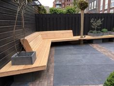 Stadstuin met houten banken – City garden with wooden benches garden City garden with wooden benches Backyard Seating, Backyard Patio Designs, Garden Seating, Outdoor Seating, Backyard Landscaping, Outdoor Decor, Back Gardens, Outdoor Gardens, City Gardens