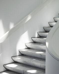 The Twist and Shout House, © Sonny Sandjaya Stair Handrail, Staircase Railings, Modern Staircase, Stairways, Staircase Remodel, Interior Railings, Interior Stairs, Stairs Architecture, Interior Architecture