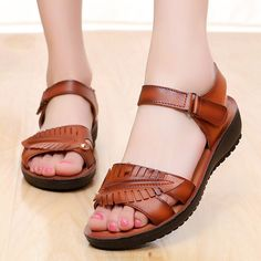 HEE GRAN 2017 Creepers Platform shoes Leather Gladiator Sandals Casual Casual Shoes Woman Summer Mother Style Women Shoes – Halil – Join in the world of pin Comfy Shoes, Comfortable Shoes, Casual Shoes, Shoes Style, Shoes Flats Sandals, Shoe Boots, Exclusive Shoes, Leather Gladiator Sandals, Womens Summer Shoes