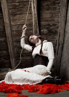 strange puppet's suicide - Fashion Photography - Dolls - Marionettes - Puppets - Halloween concept ideas