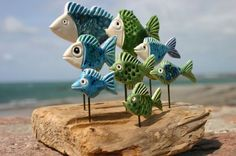 jane james Could spray toy fish the same and configure like this project. Pottery Animals, Ceramic Animals, Clay Animals, Ceramics Projects, Clay Projects, Clay Crafts, Ceramic Clay, Ceramic Pottery, Clay Fish