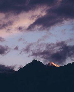 Last light before the sunset  #newzealand #foxglacier #westcoastnz #mttasman #mtcook #southernalpsnz #southislandnz #pastelsky #sunset