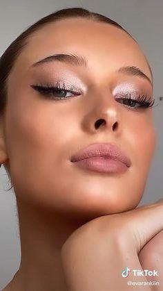#makeup #makeuptutorial #eyeshadow #eyebrows #inspiration Prom Eye Makeup, Halloween Eye Makeup, Skin Makeup, Jlo Makeup, Simple Eye Makeup Video, Simple Makeup, Natural Makeup, Makeup Inspo, Makeup Art