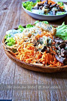 Depuis que j'ai goûté mon premier bo bun, j'adore cette salade vietnamienne rafraichissante au boeuf, carottes et vermicelles