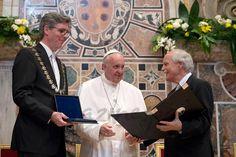Papa Francisco, Marcel Phillipp y Juergen Linden - premio Carlomagno