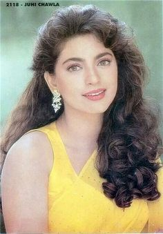 Juhi Chawla so cute Bollywood Outfits, Bollywood Photos, Bollywood Stars, Beautiful Bollywood Actress, Most Beautiful Indian Actress, Beautiful Actresses, Vintage Bollywood, Indian Celebrities, Bollywood Celebrities
