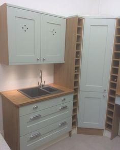 Burbidge Painted Shaker Kitchen with Solid Wooden Bamboo Worktops