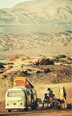 Campers at Wildrose Canyon in Death Valley National Geographic - January 1970 Woodstock, Vw Camping, Glamping, Bus Camper, Volkswagen Bus, Vw T1, Voyager C'est Vivre, Carros Vw, Vw Minibus