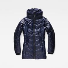 Take winter head-on this year in this warm jacket with a smart, slim silhouette and high-performance detailing.