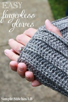 Simple Stitches: Free Pattern: Easy Ribbed Fingerless Gloves