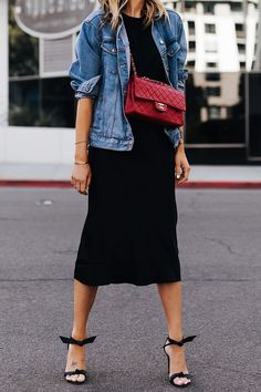 Fashion Jackson Wearing Denim Jacket Black Tshirt Black Silk Skirt Red Chanel Handbag Alexandre Birman Clarita Black Sandals Source by mbelvel outfits chic Fashion Mode, Denim Fashion, Look Fashion, Fashion Outfits, Chanel Fashion, Spring Fashion, Jackets Fashion, Queer Fashion, Classic Fashion