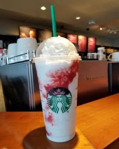 """The """"It"""" Frappuccino, vanilla bean with strawberry drizzle. My neighborhood Starbucks is offering this in place of the sold out Zombie… Starbucks Art, How To Order Starbucks, Starbucks Secret Menu Drinks, Starbucks Recipes, Coffee Recipes, Frappuccino Recipe, Starbucks Frappuccino, Frappe, Bebidas Do Starbucks"""