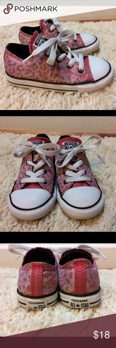 Girls converse sparkle cheetah size 9 toddler pink Excellent condition and super clean! Pink and silver cheetah print. Some wear to the heal emblem area. Loads and loads of life left in these! Size 9 toddler Converse Shoes Sneakers