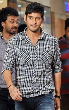 King Mahesh Babu Wallpapers, Telugu Hero, Allu Arjun Images, Artists For Kids, Real Hero, Simple Shirts, Super Star, Indian Celebrities, Bollywood Actors