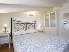 Dormitorio con cama de 1,50 mts