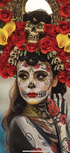Mexican Halloween, Halloween Photos, Sugar Skull Makeup, Sugar Skull Art, Skull Painting, Body Painting, Aztec Culture, Dead Makeup, Masks Art