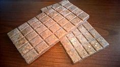 Julika diós házi csokoládétkészített:  ✔ Gluténmentes ✔ Tejmentes ✔ Tojásmentes ✔ Hozzáadott cukormentes ✔ Csökkentett szénhidráttartalmú ✔ Paleo ✔ Vegán Hozzávalók:  100 g kakaóvaj(kakaóvaj ITT!) 50 g Szafi Fitt kókuszolaj(kókuszolaj ITT!) 80 g Szafi Fitt eritrit, porrá őrölve(eri