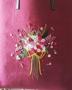 """""""꽃다발"""" 이쁨 많이많이 받아라~뿅 #자수가방 #프랑스자수 #embroidery #꽃자수 #손바느질 #핸드메이드 #세종시 #세종시프랑스자수"""