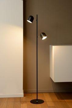 Strak, sierlijk en bescheiden is deze tafellamp van Lucide.