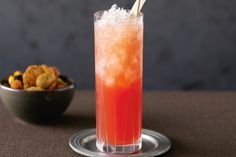 Get Simple Singapore Sling Recipe from Food Network Cocktail Menu, Cocktail Recipes, Singapore Sling Drink, Gin Recipes, Free Recipes, Most Popular Cocktails, Winter Cocktails, Girly, Malaysian Food