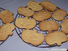 Biscuits sablés d'halloween Cookies, Coups, Halloween, Desserts, Food, Spritz Cookies, Greedy People, Recipes, Crack Crackers