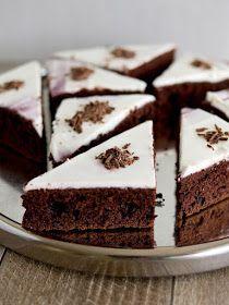 Pradobroty: Čokoládové řezy z červené řepy Baking Recipes, Dessert Recipes, Delicious Desserts, Yummy Food, Cake Batter, How Sweet Eats, Healthy Baking, Carrot Cake, Sweet Recipes