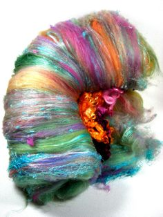 Crocus Wild Card Bling Batt for Spinning and Felting by yarnwench, Spinning Wool, Hand Spinning, Art Du Fil, Textured Yarn, Yarn Colors, Fabric Art, Fiber Art, Weaving, Art Yarn