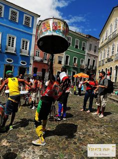 Conheça Salvador, Bahia, Brasil. percussao no pelourinho