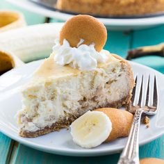 Banana Pudding Cheesecake has a Vanilla Wafer crust and a creamy banana willing flavored with fresh bananas and brown sugar. Makes a showstopper dessert.