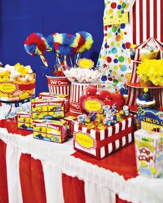 circus-party-ideas-dessert-table