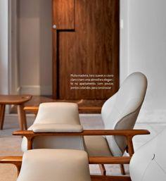 Design brasileiro no apê mineiro. Veja: http://www.casadevalentina.com.br/blog/detalhes/design-brasileiro-no-ape-mineiro-2786 #decor #decoracao #interior #design #casa #home #house #idea #ideia #detalhes #details #casadevalentina #cadeira #chair #living #livingroom #sala #saladeestar