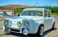 Classic Cars British, Ford Classic Cars, Classic Auto, Vintage Cars, Antique Cars, Renault Sport, Classic Car Restoration, Auto Retro, Car Ford