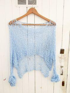 Jersey muy femenino por armarioenruinas en Etsy, €19,00 Knit Fashion, Sweater Fashion, Crochet Designs, Knitting Designs, Boho Outfits, Fashion Outfits, Pullover Mode, Knit Art, Summer Knitting