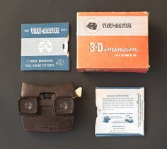 The vintage packaging for the View-Master is quite handsome.