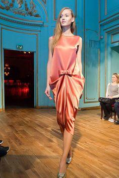 Após quase 20 anos, Pierre Cardin apresenta novo desfile de alta-costura // 27-11-2013 // Notícias // FFW Fashion Forward