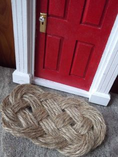 Rope rug detail...texture....love it but may be too fuzzy for ted