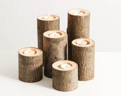 RESUMEN Traer un pedazo de la selva de Carolina en su casa con este caprichoso juego de candelabros de rama de árbol.  DATOS DE -Dimensiones: Cada set incluye 3 candeleros separados mide 8 H 6 H, H de 4 y 2- 3 W -Toda la madera utilizada para crear estos, la especie varían -Cada rama tendrá una vela hasta 1 ¾ de diámetro -Fabricados en madera sin tratar, repurposed -Cada juego es único  CUIDADO La práctica común seguridad contra incendios al usar este producto. No deje velas encendidas sin…