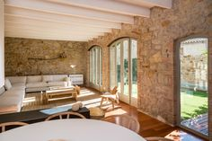 A Beautifully Restored Stone House In Spain - Gravity Home Cabinet D Architecture, Landscape Architecture Design, Interior Architecture, 1900s House, Italy House, Gravity Home, Piece A Vivre, Arched Windows, Dream Decor