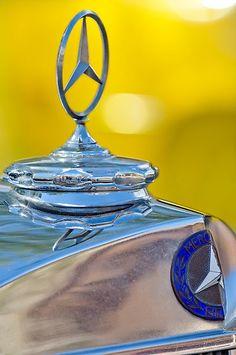 Mercedes-Benz Hood Ornament Mercedes World, Mercedes Car, Mercedes Benz Logo, European Motorcycles, Vintage Motorcycles, Fancy Cars, Cool Cars, Classic Bikes, Classic Cars