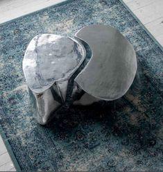 Tavolino da tè Otto,  due pezzi in fusione di alluminio, spazzolati ludici