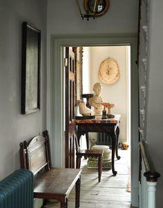 London Home of an Antiques Dealer