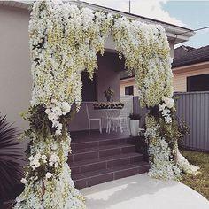 Make a Statement  Floral arch by @fleur_events  #dressesafterdark #bridetobe #bridezilla #weddingday #wedding #weddings #bride #bride2be #bridalblogger #allthingsbridal #gettingmarried #bridal #style #fashion #events #weddingplanner #love #veil #bridalmakeup #dubai #follow #wbyt #weddingsbyyourstruly #sydney  #weddingdress #dreamwedding4u
