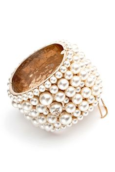 chanel spring 2013.  pearls.