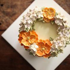 #flowercake #hydrangea #poppy #buttercream #buttercreamcake #플라워케이크 #플라워케이크클래스 #써드아이엠
