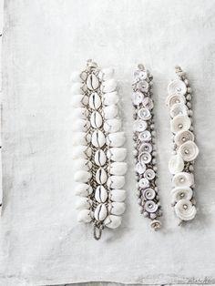 Boho in White Shell Bracelet, Shell Jewelry, Shell Necklaces, Beach Jewelry, Diy Jewelry, Jewelry Bracelets, Jewelry Accessories, Jewelry Design, Jewlery