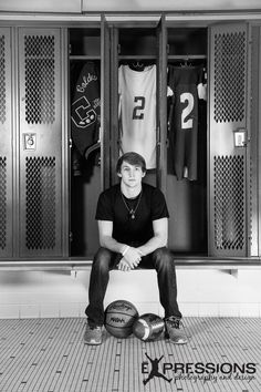 70 Trendy Ideas For Sport Photography Basketball Senior Boys 70 Trendy Ideas For Sport Photography Basketball Senior Boys<br> Basketball Senior Pictures, Senior Pictures Sports, Football Pictures, Sports Photos, Cheer Pictures, Football Senior Photos, Graduation Pictures, Room Pictures, Graduation Ideas