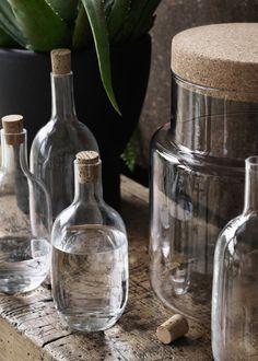 <p>SINNERLIG est notre collection préférée. Imaginée par la designer Ilse Crawford, la collection révèle la collaboration entre la marque suédoise et...